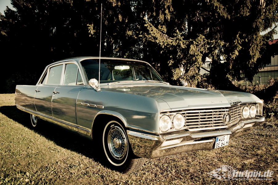 Buick_electra_225_02