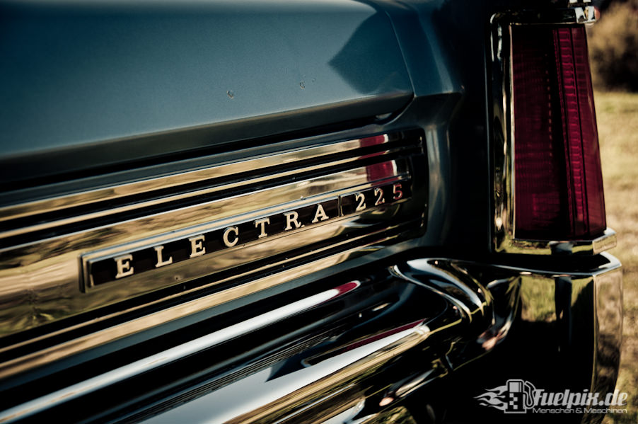 Buick_electra_225_03